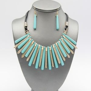 Jewelry - Turquoise and Gold Fringe Necklace Set